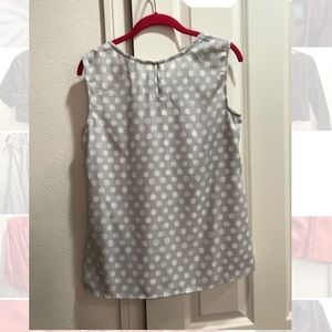 Sleeveless Gray/white polka dot blouse
